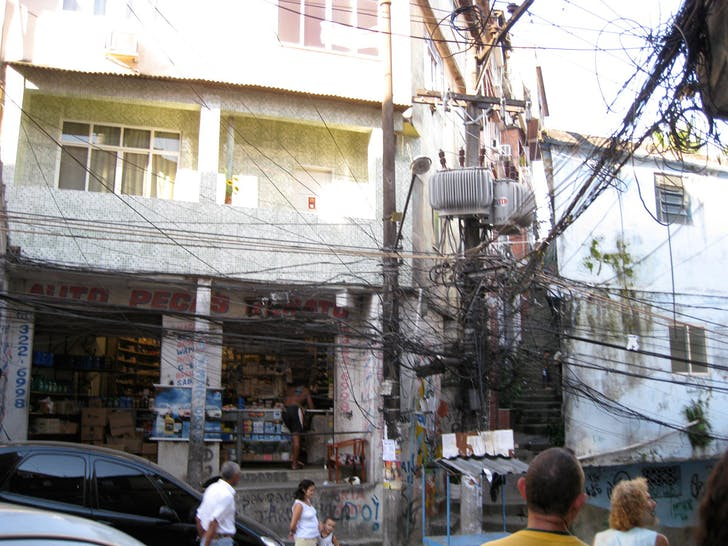 Existing conditions of infrastructure and electricity pirating, Rocinha Favela, Rio de Janeiro (Brazil)