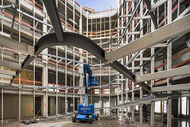 Installation of the curtain wall facade