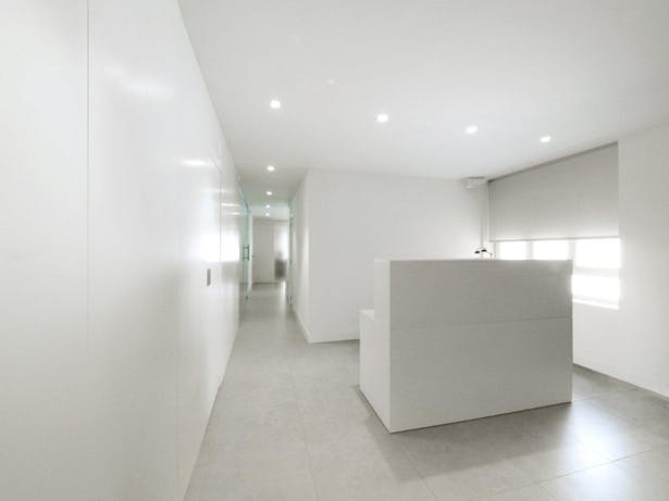 AQSO arquitectos office. Zurbaran clinic