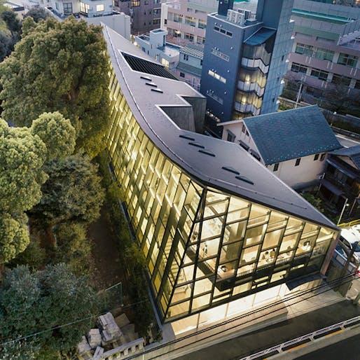 KOKUGAKUIN UNIVERSITY Learning Center by NIKKEN SEKKEI © Nozomu Shimao