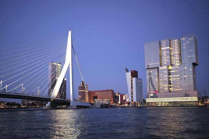 Rem's De Rotterdam (far right) in Rotterdam. Image: Roman Boed via Flickr