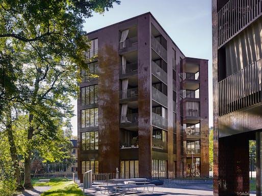 Am Katzenbach IV/V residential complex by BS+EMI Architektenpartner. Photo: Roland Bernath.
