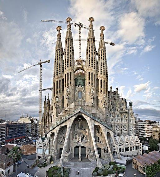 Sagrada Familia Image via wikimedia.org