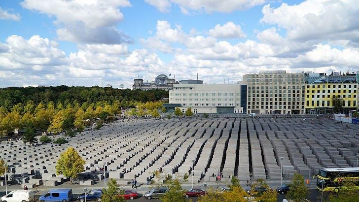 Eisenmann's Holocaust Memorial. Image: Wikipedia