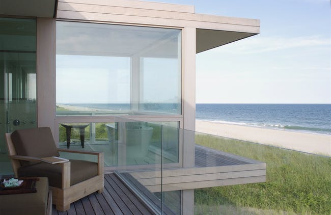 Dune Road Residence in Bridgehampton, NY by Stelle Architects