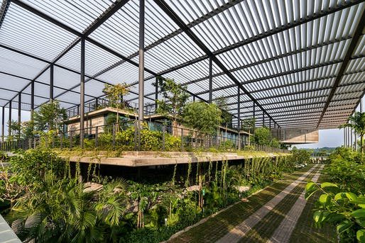 Factory In The Forest_ Penang, Malaysia by Design Unit Sdn Bhd with Chin Kuen Cheng Architect. 2017 © Lin Ho