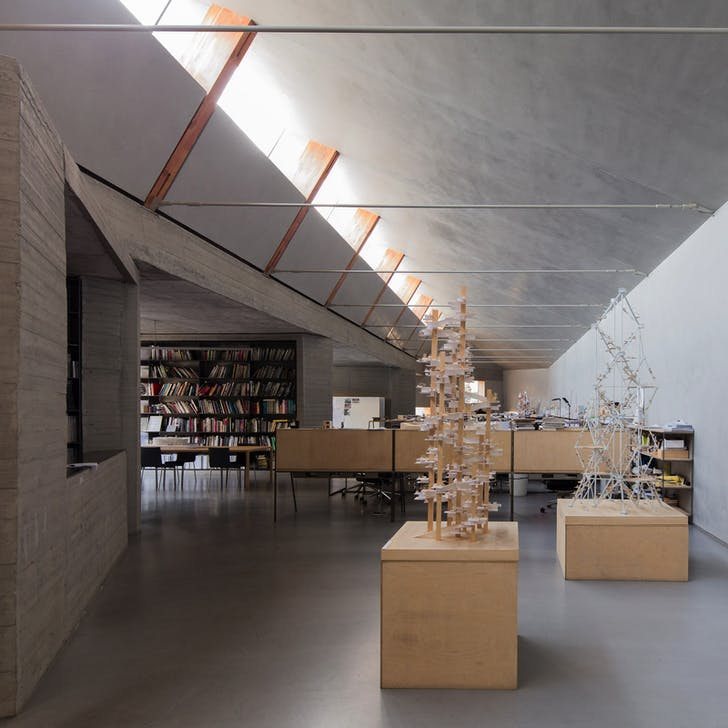 ZAO/standardarchitecture. Staff: 25-30. Time spent in current space: less than 2 years. Previous use of building: warehouse. Size: 580㎡. Photo credit: Marc Goodwin/Archmospheres.