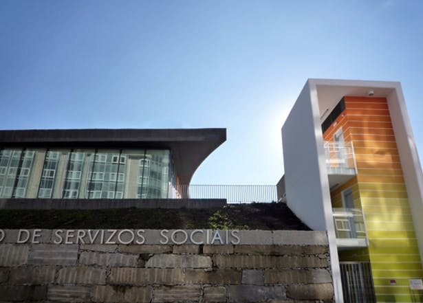 Center of social services in montealto a coru a spain - Estudios de arquitectura coruna ...