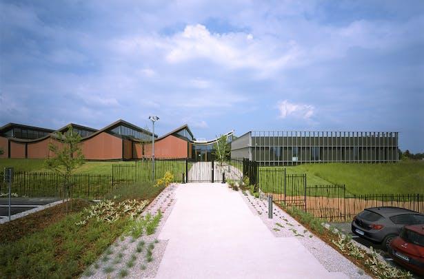 JFS_Jean Francois SCHMIT architectes_maroquinerie Iseroise_access
