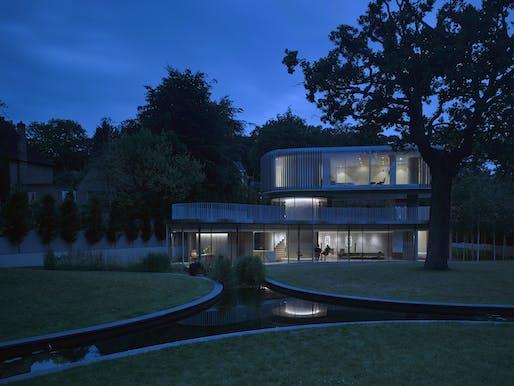 House In Coombe Park; designed by Eldridge London. Photo Credit: Nick Guttridge.