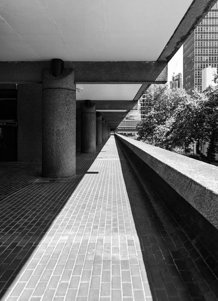 The Barbican Estate, London. Architect: Chamberlin, Powell and Bon. © Edward Neumann / EMCN