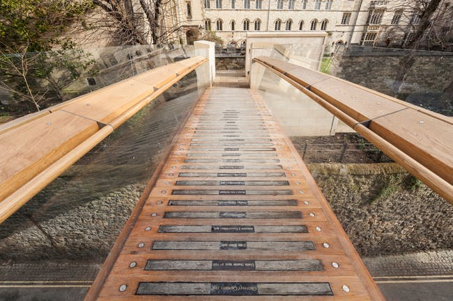 Award for Pedestrian Bridges: Pembroke College Footbridge, Oxford, UK; Structural Designer: Price & Myers; Image: Quintin Lake.