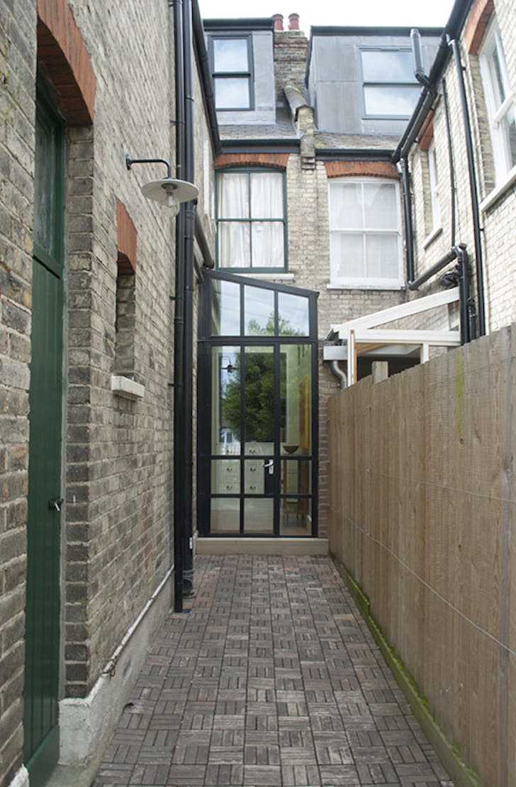 Side return extension in North London. Image courtesy of the architect.