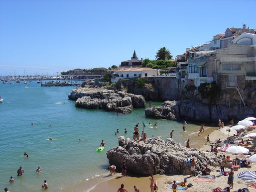 Praia da Rainha (Queen's Beach) in Cascais, Portugal. Photo: Husond/Wikipedia.