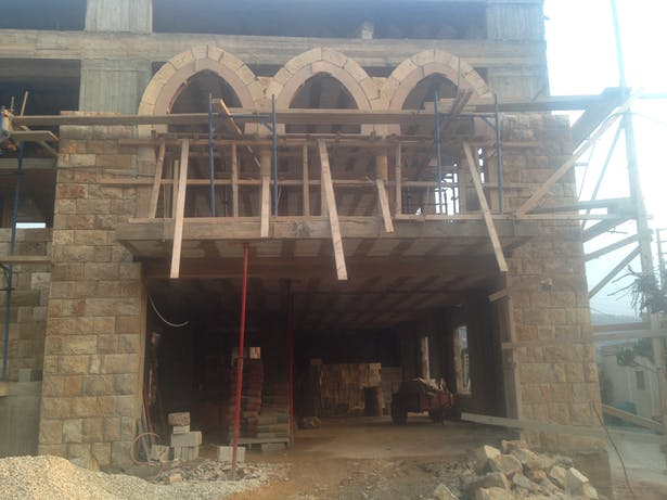 Building and Constructing Arches