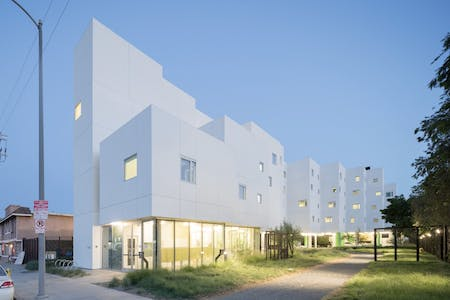 Crest Apartments. Located in the San Fernando Valley. Designed by Michael Maltzan Architecture. Image courtesy of SRHT.