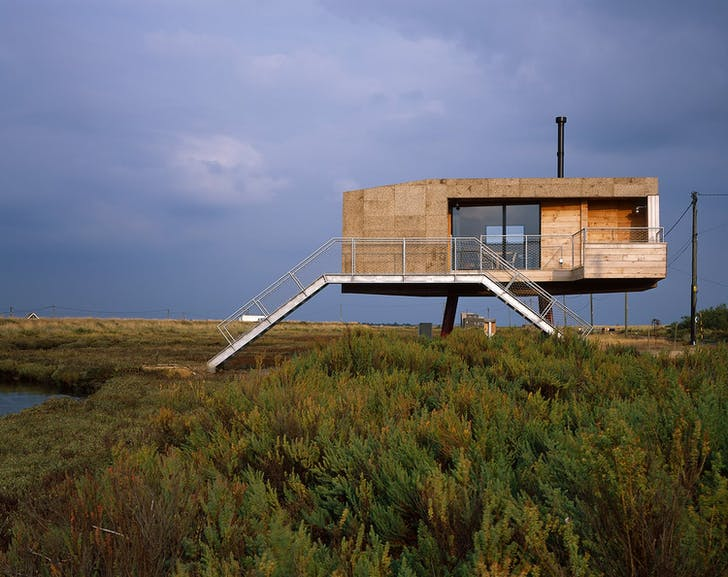 Redshank by Lisa Shell Architects and Marcus Taylor, located in Essex. Photo by Hélène Binet.