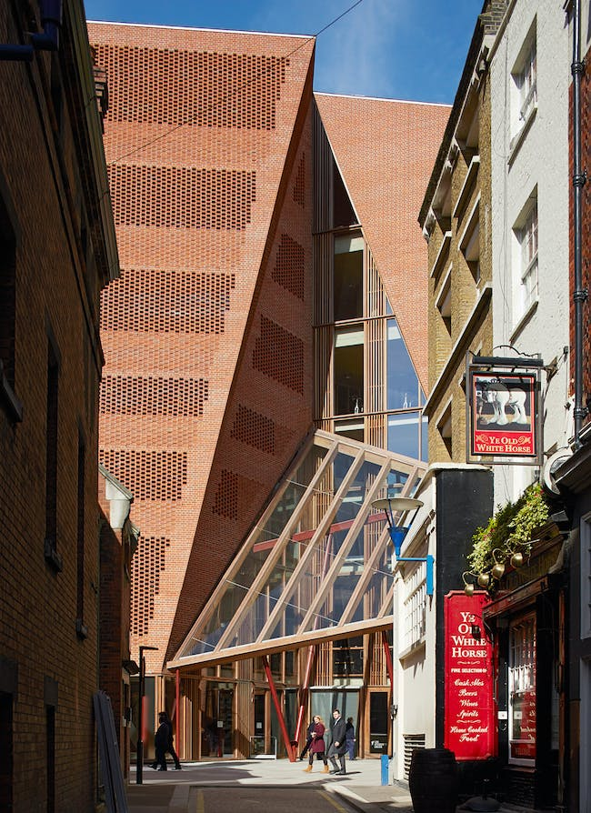 Public Building of the Year: O'Donnell + Tuomey / London School of Economics and Political Science, Saw Swee Hock Student Centre, London, UK. Photo courtesy of LEAF Awards.