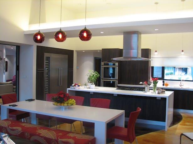 Kitchen/Dining 2
