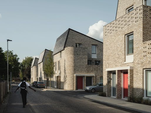 Goldsmith Street, Norwich (Architect: Mikhail Riches with Cathy Hawley). Photo © Tim Crocker.