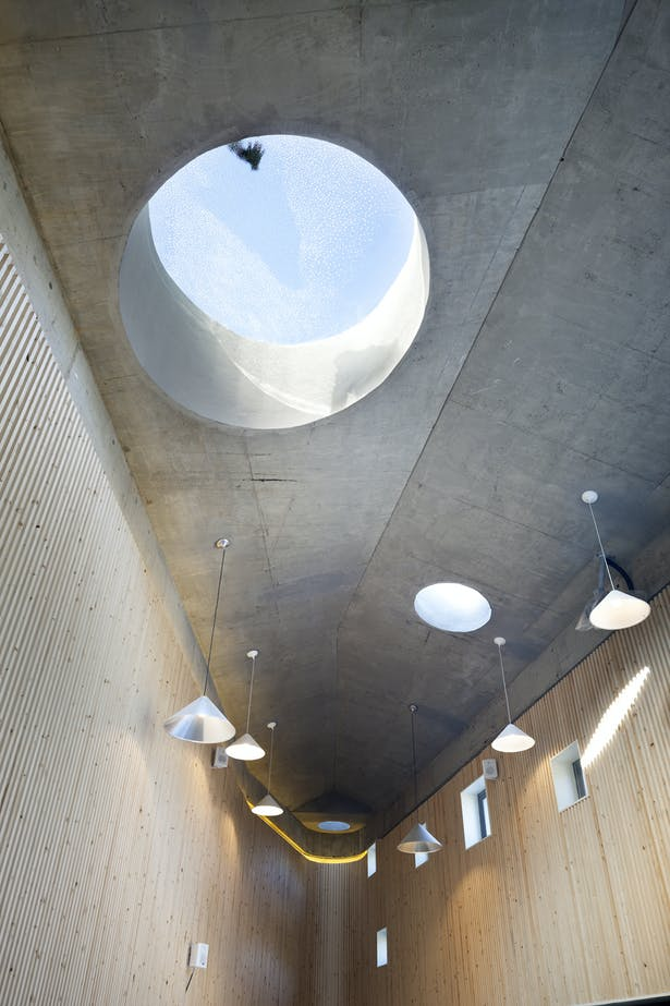 interior image 5