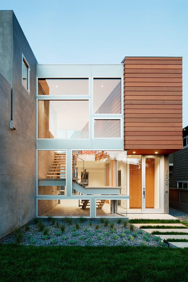 Manhattan Beach House in Manhattan Beach, CA by Walker Workshop; Photo: Nicholas Alan Cope
