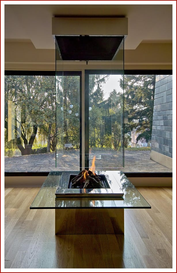 Bloch Design glass fireplace 3