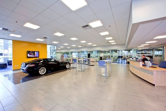 Retail Area And Service Advisor Offices