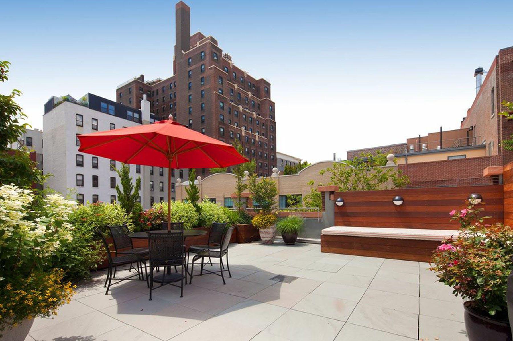 Brooklyn, NYC Backyard Patio and Rooftop Terrace Garden ...