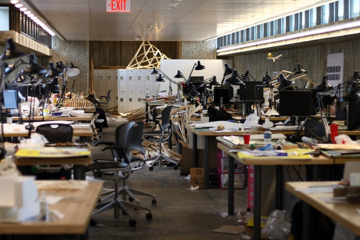 Yale student desks, or a studio in the midst of a deadline? It's the former, but according to Sarah Lorenzen the boundary between academia and practice is more permeable than you might think. Image: Wikipedia