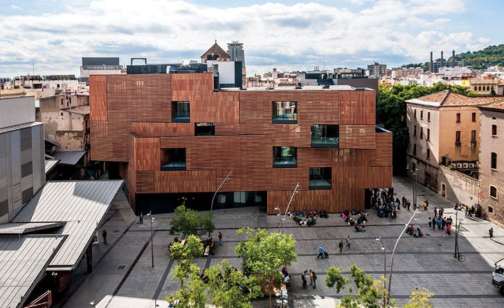 La Massana Fine Arts School by Estudio Carme Pinós, located in Barcelona, Spain. Photo by Iñigo Bujedo Aguirre.