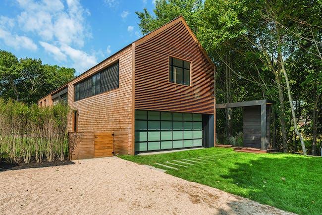 Modern Barn in East Hampton, NY by Naiztat + Ham Architects, P.C.