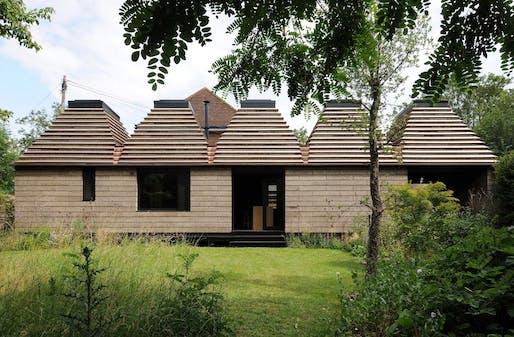 Cork House, Berkshire (Architect: Matthew Barnett Howland with Dido Milne and Oliver Wilton). Photo © David Grandorge.