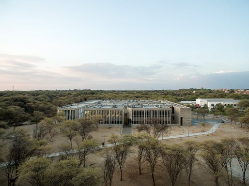 Barclay & Crousse's 'Edificio E' education building for the University of Piura. Photo: Cristobal Palma.
