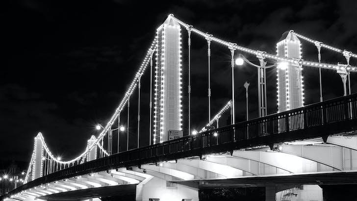 Chelsea Bridge, London. Architect: G. Topham Forrest and E. P. Wheeler. © Edward Neumann / EMCN