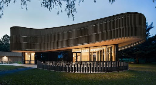 MERIT: Discovery & Services Center - Îles-de-Boucherville National Park (SÉPAQ), Québec, Smith Vigeant Architectes Inc. Courtesy of the 2017 Wood Design & Building Awards.