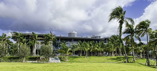 "The H&dM-designed Pérez Art Museum Miami weathered the storm well, announcing that ""there was no problem with the hurricane-resistant windows."" Photo: Dan Lundberg/<a href=""https://www.flickr.com/photos/9508280@N07/15194774222/"">Flickr</a>"