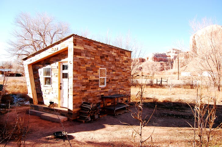 FOUNDhouse in Bluff, Utah, built by Lacy Williams and Patrick Beseda off of a WikiHouse design. Photo credit: Lacy Williams and Patrick Beseda.