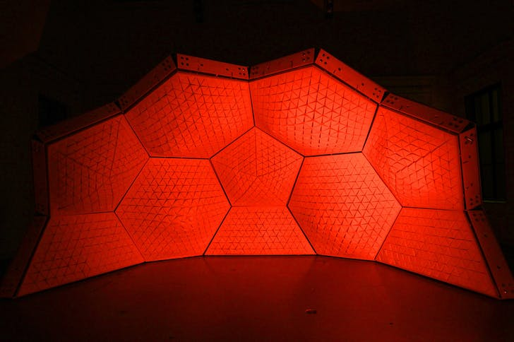 Cerebral Hut installation by Guvenc Ozel in collaboration with Alexander Karaivanov, Jona Hoier and Peter Innerhofer (Photo: Bengt Stiller)