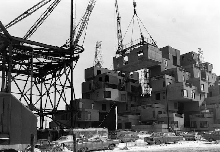 Habitat 67: construction image. Credit: Jerry Spearman courtesy of Safdie Architects