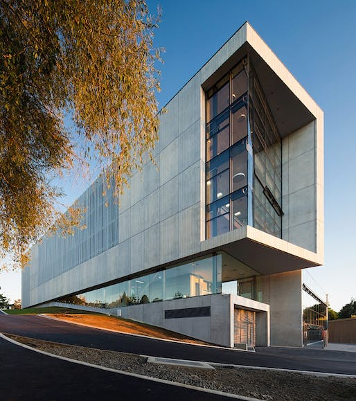 New Law & Management Building, University of Waikato, Hamilton designed by Opus Architecture. Photo by Stephen Barker.