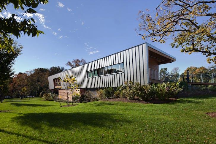 Princeton University Tennis Pavilion. Courtesy of Dattner Architects.