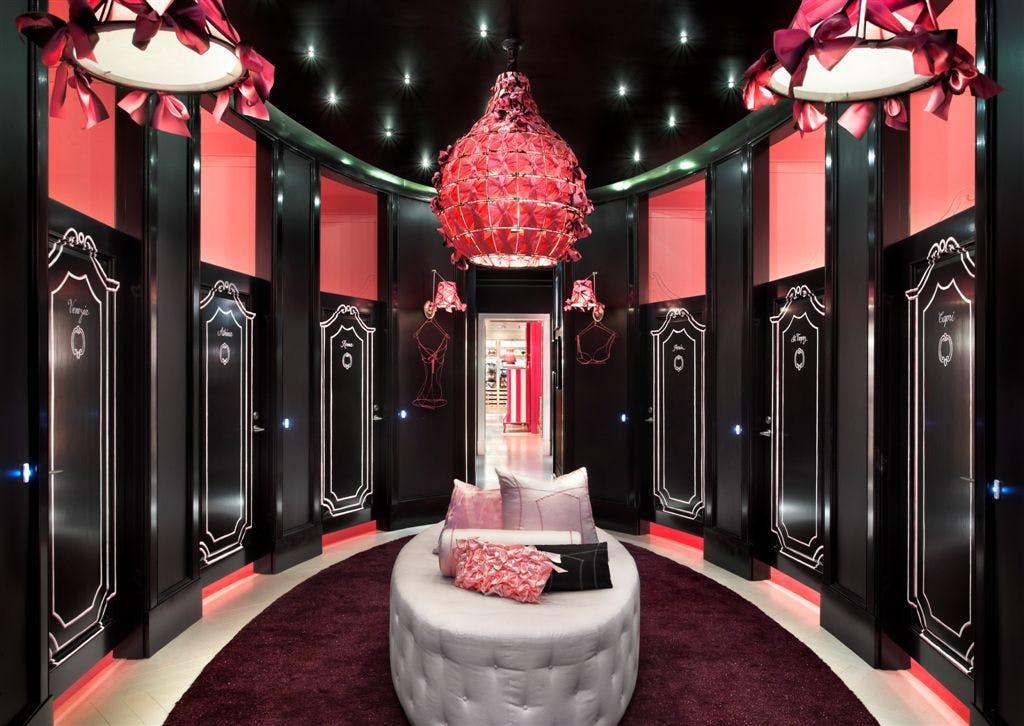 Victoria 39 s secret flagship store chicago emily h for Interior design staffing agency chicago
