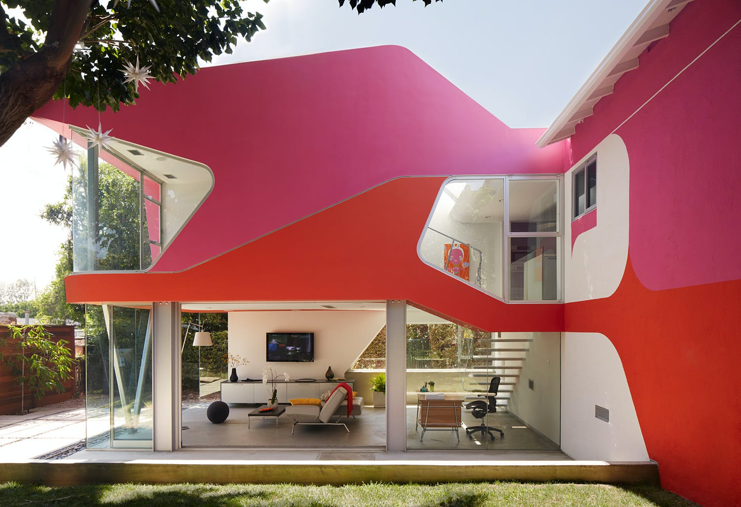 bid for art design experiences with famous architects in van