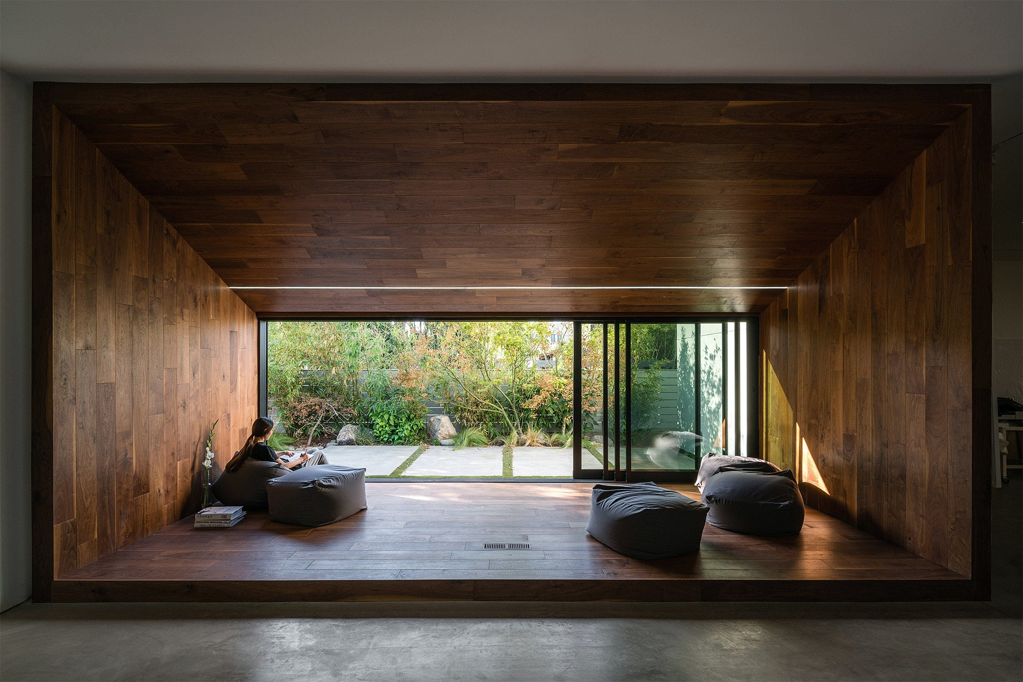 Hide Out House in Los Angeles CA by Dan Brunn Architecture & Natural beauty: 10 impressive applications of wood in architecture ...