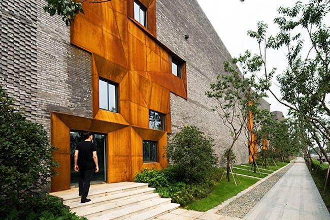 Chengdu Skycourt in Chengdu, China by Höweler + Yoon; Photo: Yihuai Hu