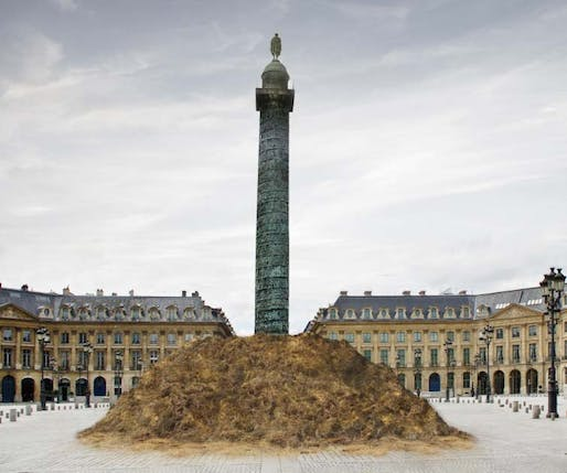 The Mound of Vendôme, Paris. Image by David Gissen 2014. Original photograph by Gian Marco Valente © Gian Marco Valente/Dreamstime.com. David Gissen Collection.