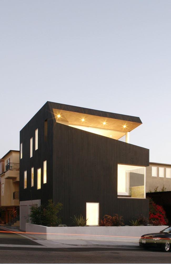 Surfhouse in Hermosa Beach, CA by XTEN Architecture