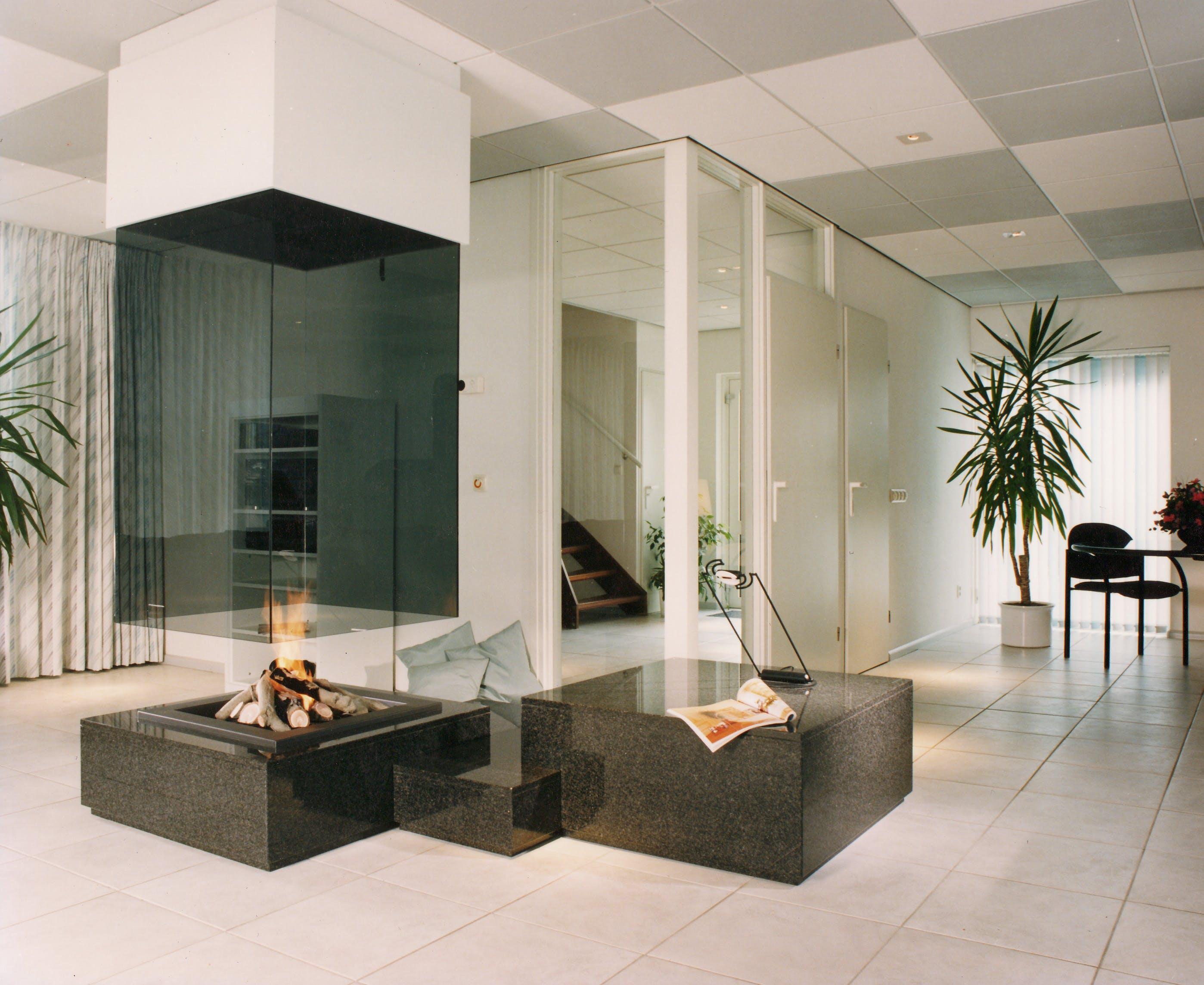 Modern fireplace / cheminée moderne | BLOCH DESIGN | Archinect