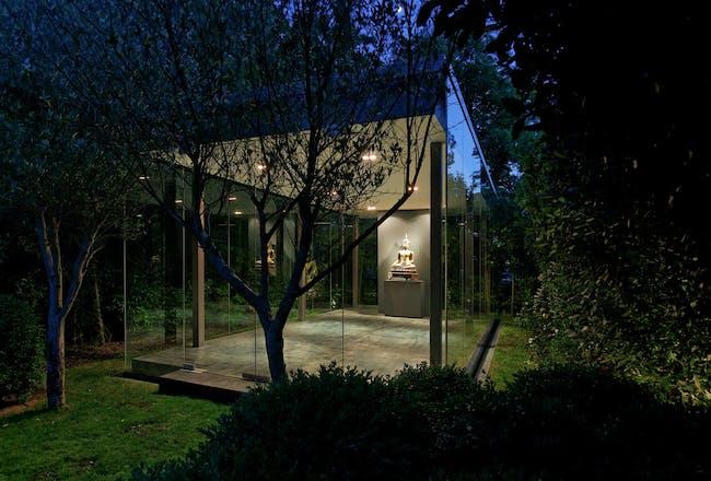 Glass House, London by Julia Haensel